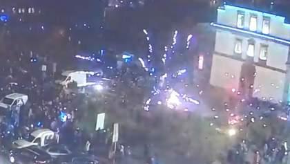 Новорічна ніч ледь не закінчилася трагедією в Одесі: святковий феєрверк почав вибухати в натовпі