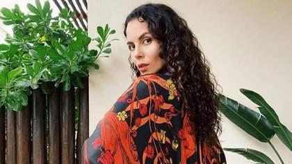 Настя Каменських здивувала прихильників зміною зачіски: фото