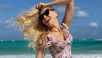Оля Полякова засвітила оголені сідниці на пляжі: спекотні кадри