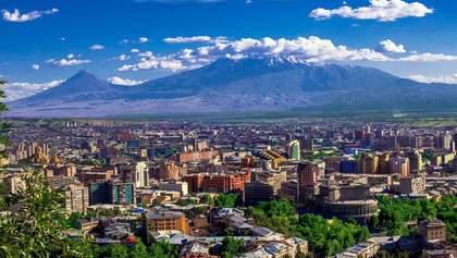 Єднання з природою: у Вірменії побудують стильний готель в горах – фото