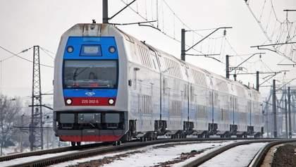 Укрзализныця планирует самостоятельно отремонтировать двухэтажные поезда Skoda