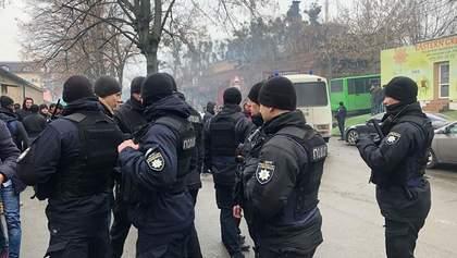 Поліція влаштувала облаву біля мечеті у Києві: українські мусульмани обурені – фото