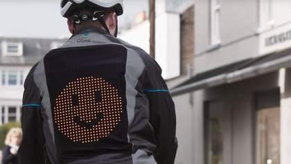Ford створила розумну куртку, що захистить велосипедистів від аварії