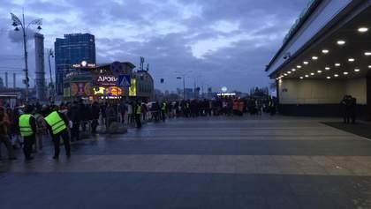 В Киеве снова заминировали Центральный железнодорожный вокзал: людей эвакуируют