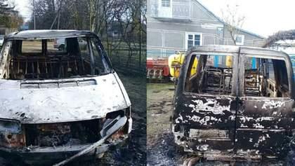 Священнику ПЦУ дотла сожгли авто на Волыни: фото, видео