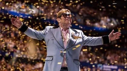 Я більше не можу співати, – Елтон Джон зупинив концерт через погане самопочуття