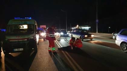 П'яний поліцейський-ексберкутівець під Києвом на смерть збив людину на переході: фото 18+