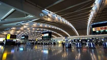 """Масштабный сбой в крупнейшем аэропорту Европы """"Хитроу"""": отменены сотни рейсов"""