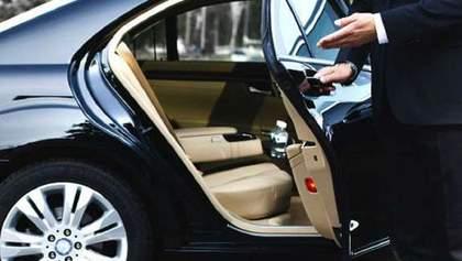 В Україні продавали викрадені в ЄС елітні авто: ймовірний організатор – син ексголови КС