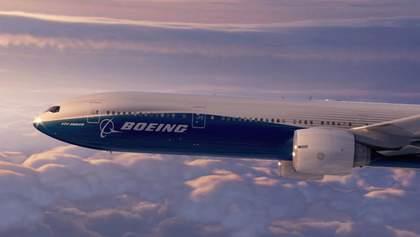 У Boeing під час польоту тріснуло лобове скло: літак повертається до Москви