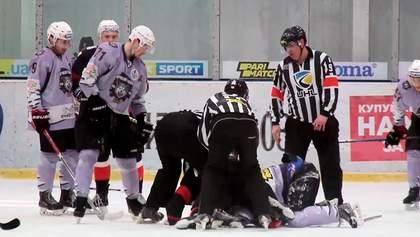 Хокеїсти влаштували подвійну бійку в чемпіонаті України: відео