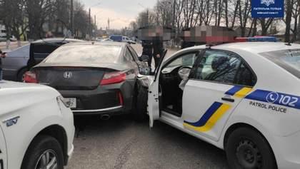 Погоня зі стріляниною у Борисполі: затриманий зловмисник викрадав авто на Донбасі