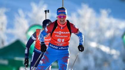 Російська біатлоністка кумедно впала у боротьбі з українкою Семеренко: відео