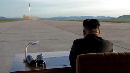 Північна Корея запустила три ракети: Японія скликає Раду нацбезпеки