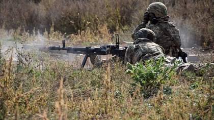 Боевики на Донбассе обстреляли участок разведения войск: один военный ранен