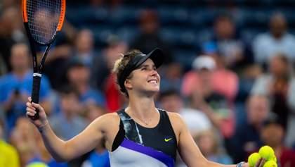 Жонглирование туалетной бумаги на ракетке: теннисисты поддержали забавный челлендж – видео