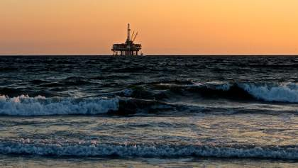 Цены на нефть начали расти после рекордного обвала накануне: что говорят аналитики