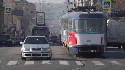 У Харкові сотні автобусів зійшли з маршрутів через можливі штрафи