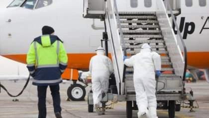 Україна повністю закриває кордони: скільки українців евакуювали через коронавірус і з яких країн
