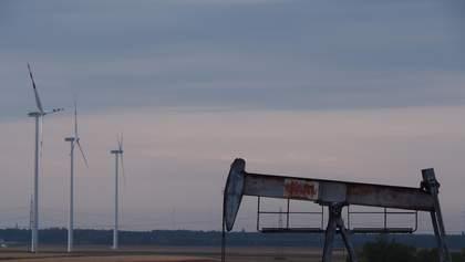 Цены на нефть начали расти после рекордного падения: коротко о ситуации на рынке
