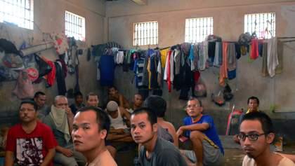 В Індонезії звільнили 18 тисяч в'язнів, аби приборкати коронавірус