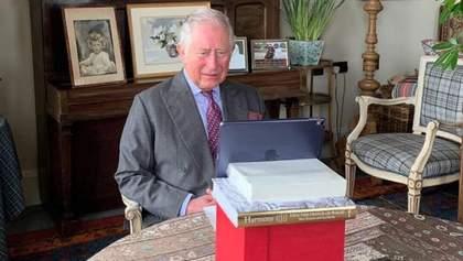 Принц Чарльз, который болел коронавирусом, онлайн открыл больницу в Лондоне