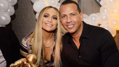 Дженніфер Лопес та Алекс Родрігес перенесли весілля через коронавірус