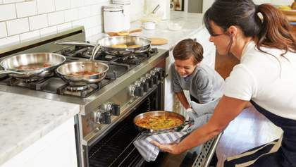 Справа дорослих: як правильно працювати над харчуванням дітей