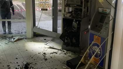 """В Харькове ночью взорвали банкомат """"Приватбанка"""": воров на велосипедах уже поймали – видео"""