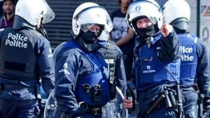 У Брюсселі масові заворушення: поліція розігнала людей водометом – відео