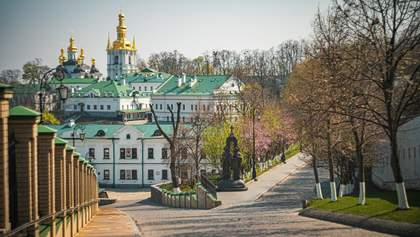 В Киево-Печерской Лавре заразились коронавирусом почти 100 человек: 2 человека погибли