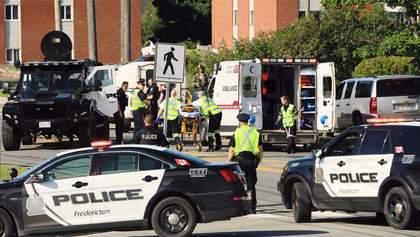 Массовый расстрел, химический взрыв и карантинный протест: фото дня