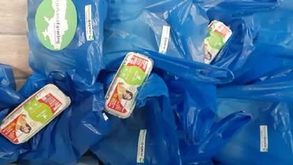 Предприятие Бахматюка передало продукты к Пасхе малообеспеченным и старшим жителям сел