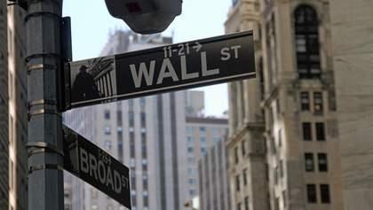 Нефть продолжает рекордно дешеветь, рынки акций – растут: последние изменения