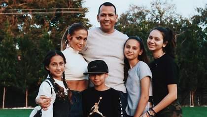 Дженніфер Лопес зворушливо привітала доньку нареченого з днем народження: допис підкорив мережу
