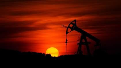 Падение цен на нефть: кто выиграл от рекордного обвала WTI и что прогнозируют аналитики