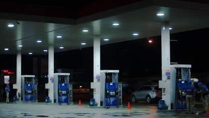 Цены на бензин и дизель в Украине продолжают снижаться: цифры