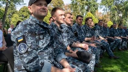 Освобожденным из плена украинских моряков предоставили статус УБД