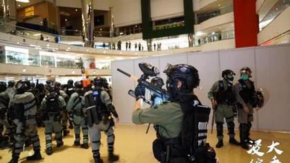 Протесты в Гонконге возобновились, несмотря на карантин: фото и видео