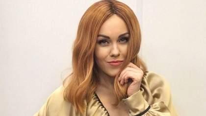 Співачка Alyosha зізналася, що її чоловік хотів двійню