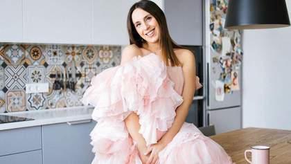 У сукні-халаті: вагітна Джамала замилувала мережу стильним образом