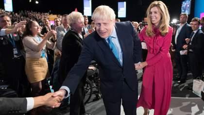 Борис Джонсон вшосте став батьком: що відомо про Керрі Сімондс – молоду наречену політика