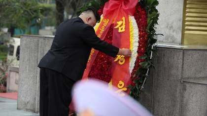 Кім Чен Ин не помер, а просто ховається від коронавірусу, – ЗМІ