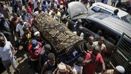 Поліцейські у Кенії застрелили хлопчика, який під час комендантської години перебував на балконі