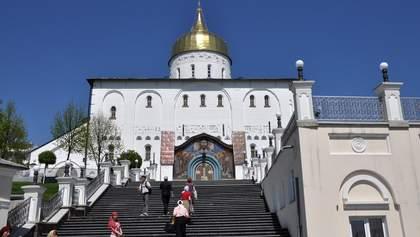 Влада побоялася закривати церкви у час карантину, – соціолог
