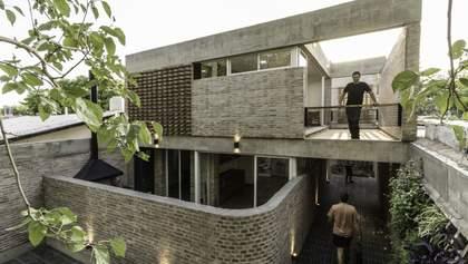 Как построить большое жилье на маленьком участке: пример из Аргентины – фото