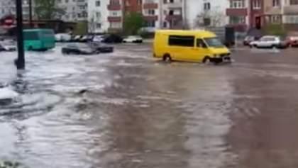 Суми затопило: у місті пройшла сильна злива – відео