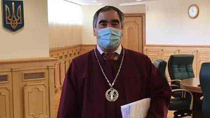 Суддя придбав для лікарень 1000 респіраторів та виділить їм 300 тисяч гривень: деталі