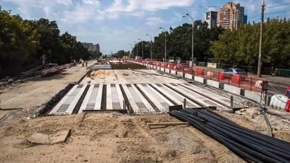 У Києві Борщагівський шляхопровід закрили на ремонт: рух транспорту обмежили