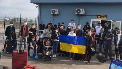 Майже 100 українців повертаються поромом з Туреччини: дорога триває понад добу